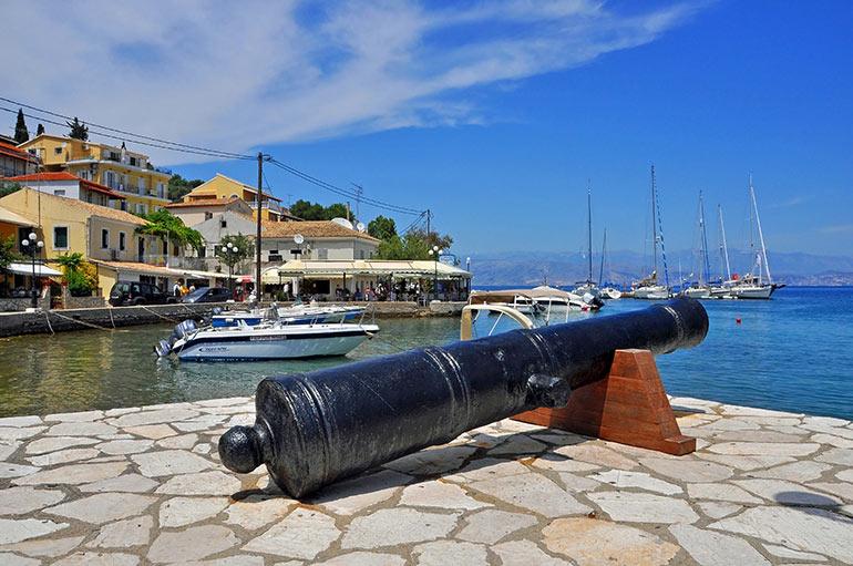 Corfu_Kassiopi-hotels-villa-apartments