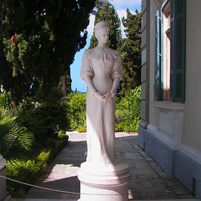 Sisi_in_Corfu_Achilleion-hotels-apartments